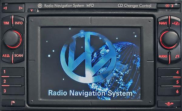 Sistema de radio-navegación VW MFD1. Era el equipo multimedia más avanzado que se podía equipar en el Passat B5.